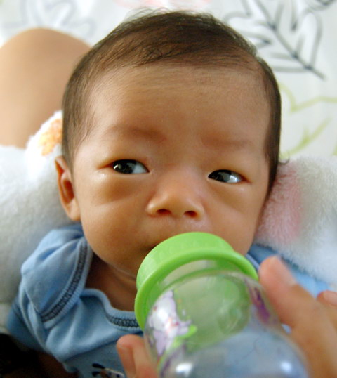 20080518bottle-boy.jpg